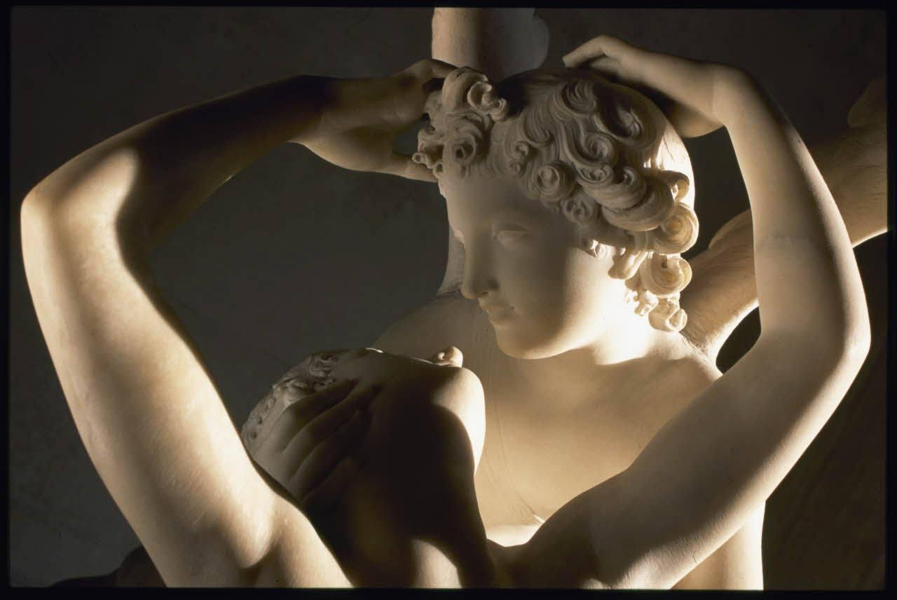 Psique reanimada por el beso de Cupido (Psyché ranimée par le baiser de l'Amour) de Antonio Canova (1757 - 1822), Imágen© Musée du Louvre / Etienne Revault
